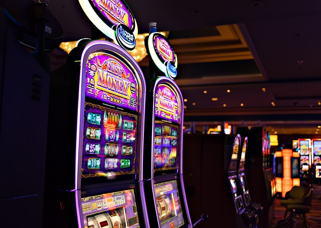 Advantages of Playing Online Slots
